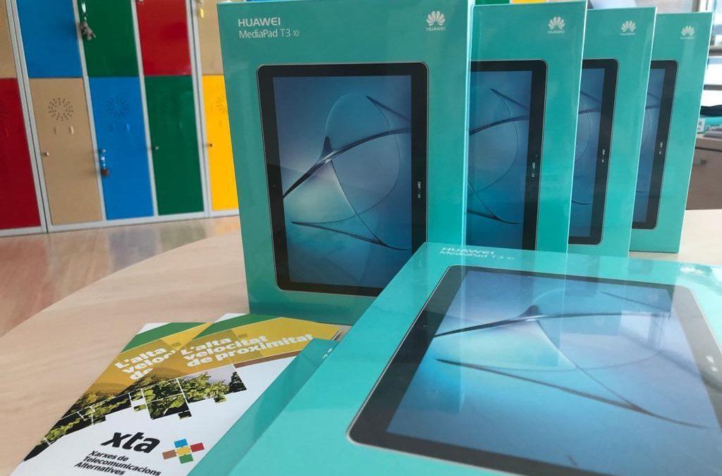 Tablets per apropar la gent gran i les seves famílies